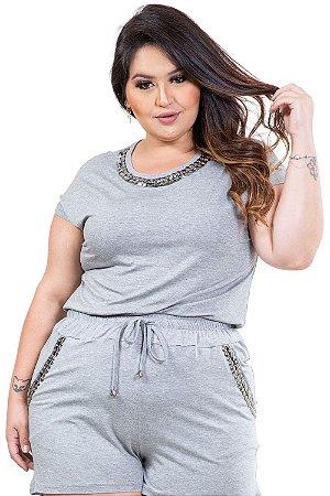 Blusa manga curta decote com aplique plus size