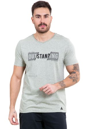 Camiseta manga curta  bordado outstanding
