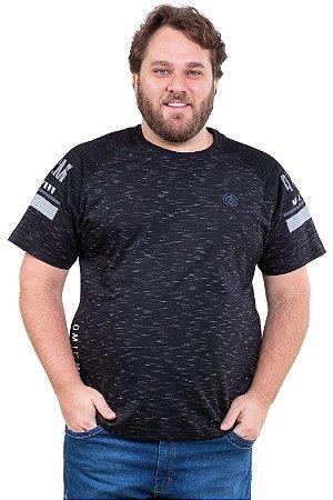 Camiseta manga curta com recorte em tela plus size