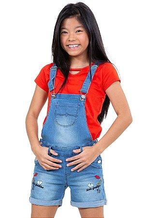 Jardineira jeans juvenil  detalhe bordado barra virada