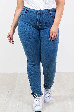 Calça jeans com elastano reta plus size