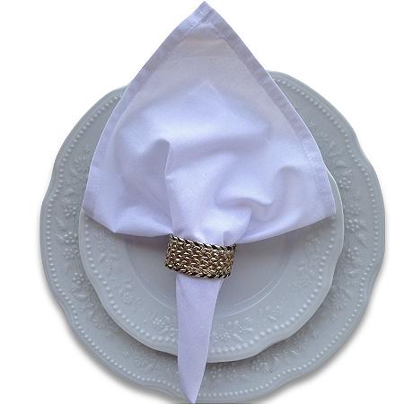 Guardanapo de Tecido Branco com Porta Guardanapo Trançado Dourado – 4 pessoas