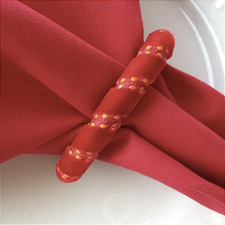 Guardanapo de Tecido Vermelho com Porta Guardanapo Hohoho – 4 pessoas