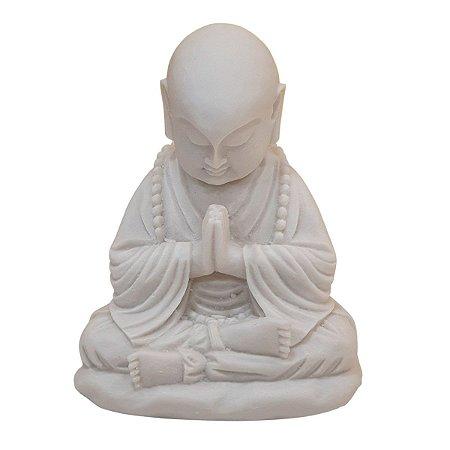 Escultura Monge Oração de Pó de Mármore Branco 16cm