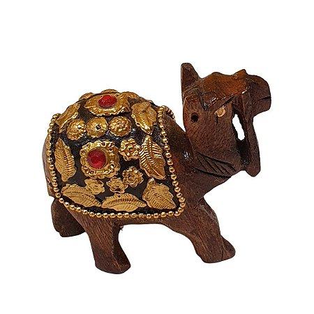 Escultura de Camelo Indiano de Madeira com Metal Dourado 15cm