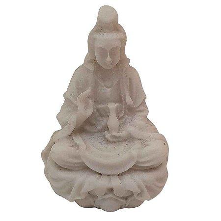 Mini Escultura Kwan Yin de Pó de Mármore Branca 6cm