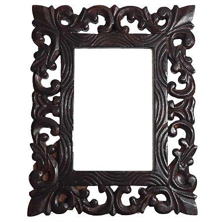 Porta Retrato Arabesque de Madeira em Pátina Marrom Escuro - 13x18cm