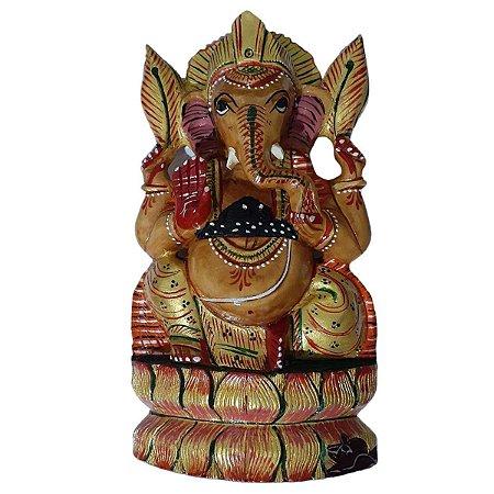 Estátua de Ganesha Pintado Sentado na Lótus de Madeira 21cm