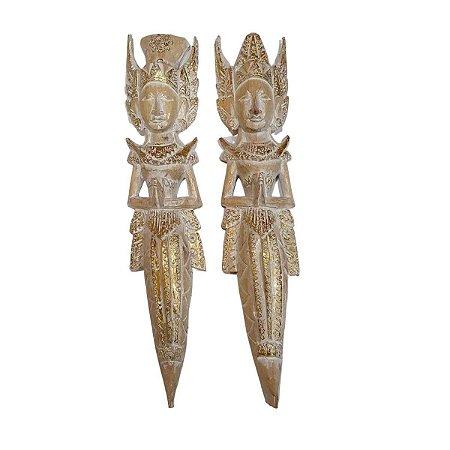 Escultura Rama e Sita de Madeira Balsa Dourada e Branca 50cm
