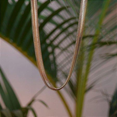 Colar malha grossa metal ouro semijoia