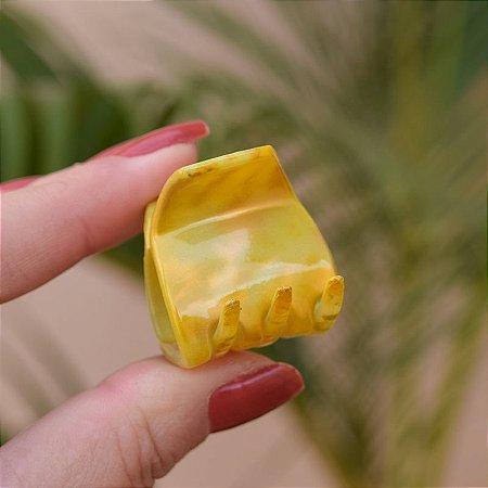 Piranha de cabelo francesa Finestra tie dye amarelo N748MAM