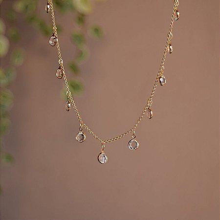Colar choker cristais ouro semijoia