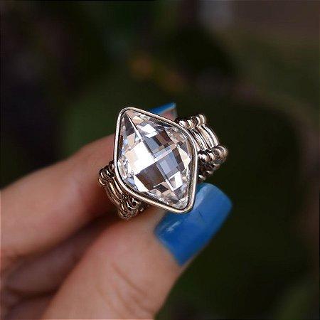 Anel ajustável Leticia Sarabia losango cristal prateado