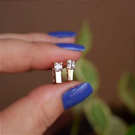 Brinco argolinha retangular zircônia ouro semijoia 21k02011