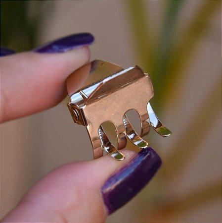 Piranha de cabelo metal pequena dourado