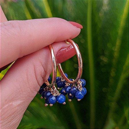 Brinco argola penduricalhos cristal azul ouro semijoia