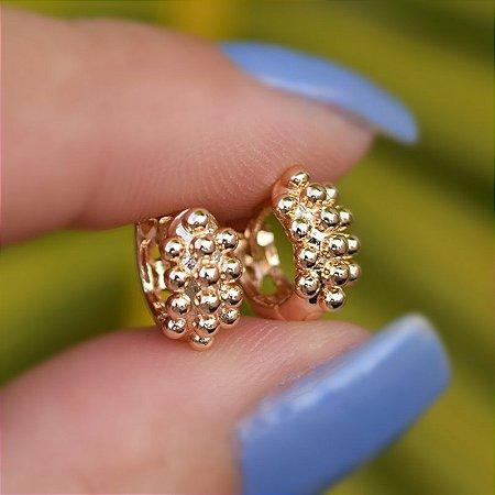 Brinco argolinha esferas ouro semijoia 3748405
