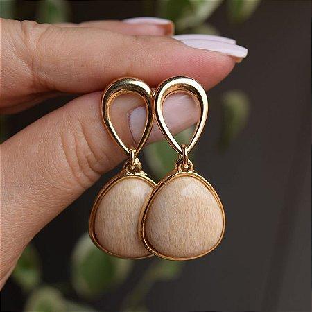 Brinco pedra natural amazonita bege ouro semijoia