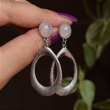 Brinco gota pedra natural quartzo rosa ródio semijoia