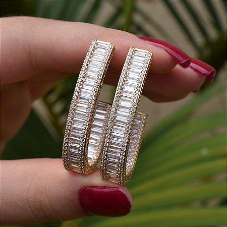 Brinco meia argola oval zircônia cristal ouro semijoia