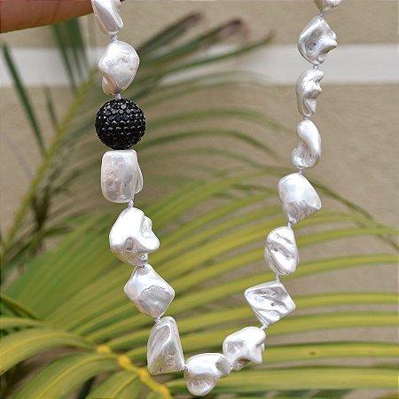 Colar curto pérola barroca globo cristal preto semijoia 112008244