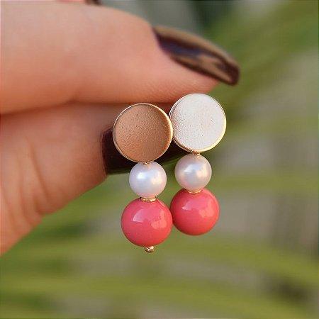 Brinco bola rosa e pérola ouro semijoia