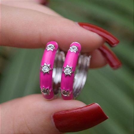 Brinco argola esmaltada pink ródio semijoia