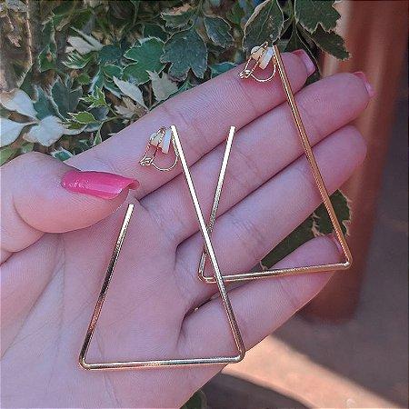 Brinco argola g triângulo pressão dourado