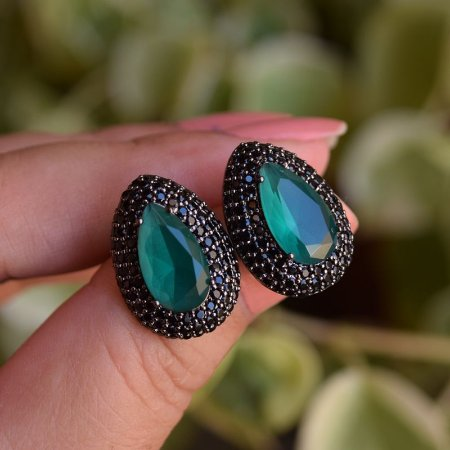Brinco gota esmeralda ródio negro semijoia 596009449