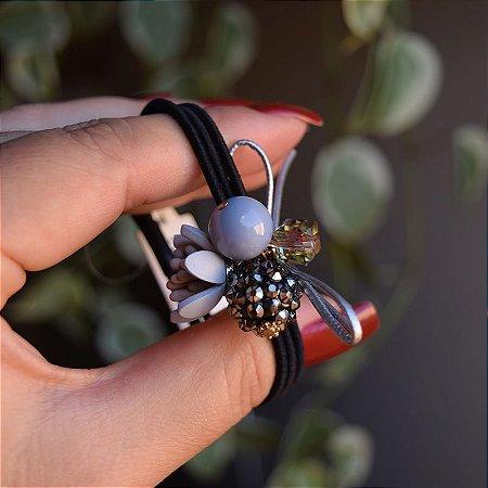 Elástico para cabelo preto flor e bolinha cinza