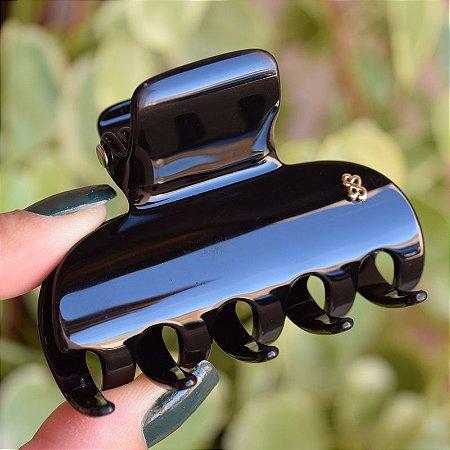 Piranha de cabelo grande Bianca preta 05 003