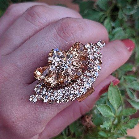 Anel leque Iza Perobelli ajustável dourado cristal rosê