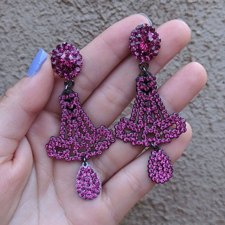Brinco Leticia Sarabia vazado cristal pink