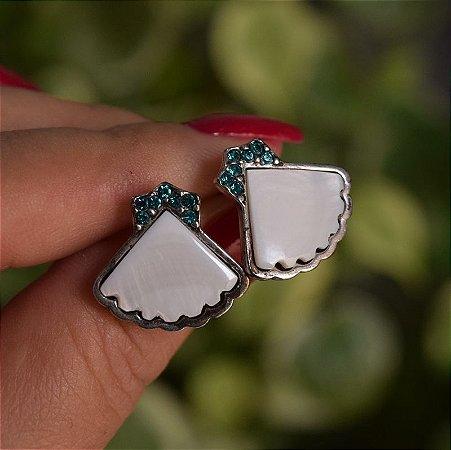 Brinco Claudia Arbex prata madrepérola e cristal  azul semijoia