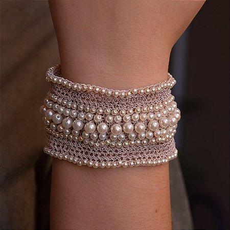 Bracelete Heliana Lages fio crochê nude com pérolas semijoia