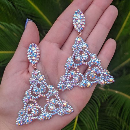 Brinco triângulo Leticia Sarabia cristal boreal