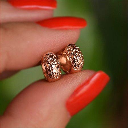 Brinco argolinha metalizada segundo furo ouro rosê semijoia 16k02009