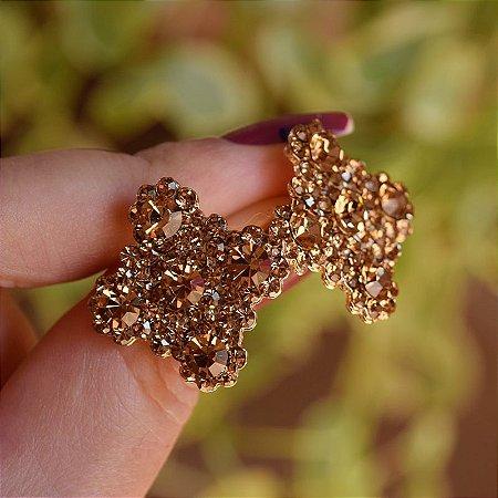 Brinco Leticia Sarabia quadrado curvas cristal dourado