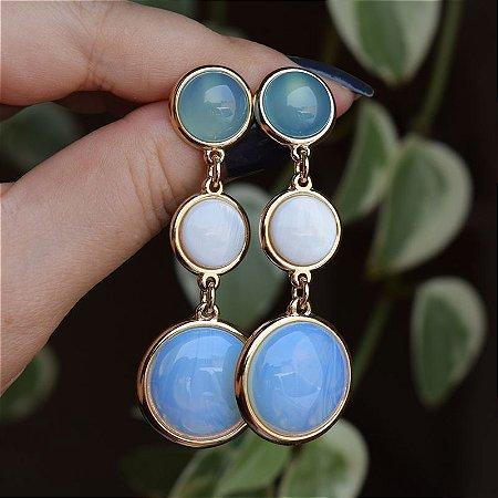 Brinco pedras naturais ágata azul céu madrepérola e opalina ouro semijoia