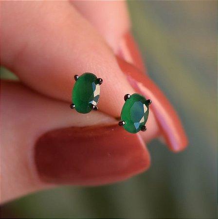 Brinco oval cristal esmeralda ródio negro semijoia