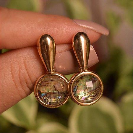 Brinco pedra natural abalone ouro semijoia