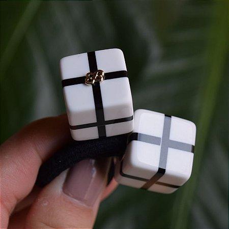 Rabicó Bianca acrílico cubo listrado branco com preto 10 283