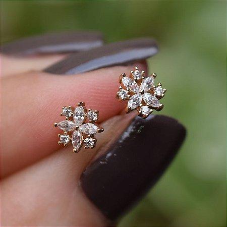 Brinco mini flor zircônia cristal ouro semijoia 19K11112