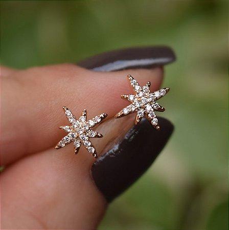 Brinco mini estrela zircônia ouro semijoia 19K13020