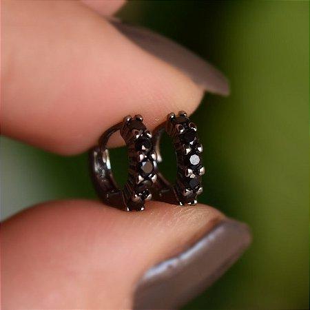 Brinco argolinha fina segundo furo zircônia preta ródio negro semijoia 16k02030