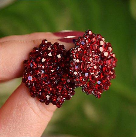 Brinco Leticia Sarabia médio cristal vermelho escuro