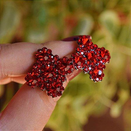 Brinco Leticia Sarabia quadrado curvas cristal vermelho
