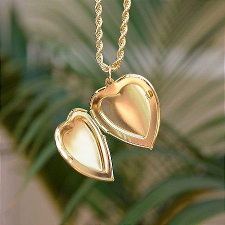 Colar relicário coração liso ouro semijoia