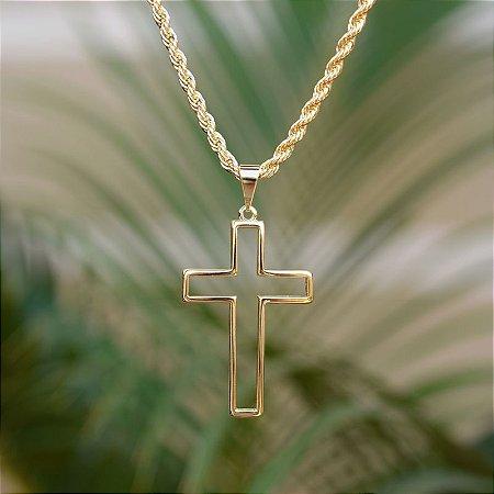Colar crucifixo vazado ouro semijoia