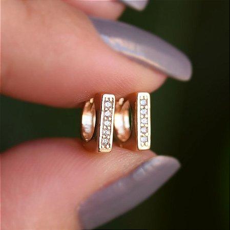 Brinco argolinha reta segundo furo zircônia ouro semijoia 19K11031
